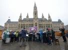 Wiener Beschwerdechor vor dem Rathaus